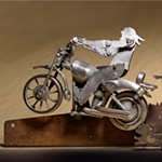 custom-metal-art-saw-biker