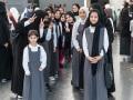 scrap-metal-artshow-student-visitors-doha-qatar