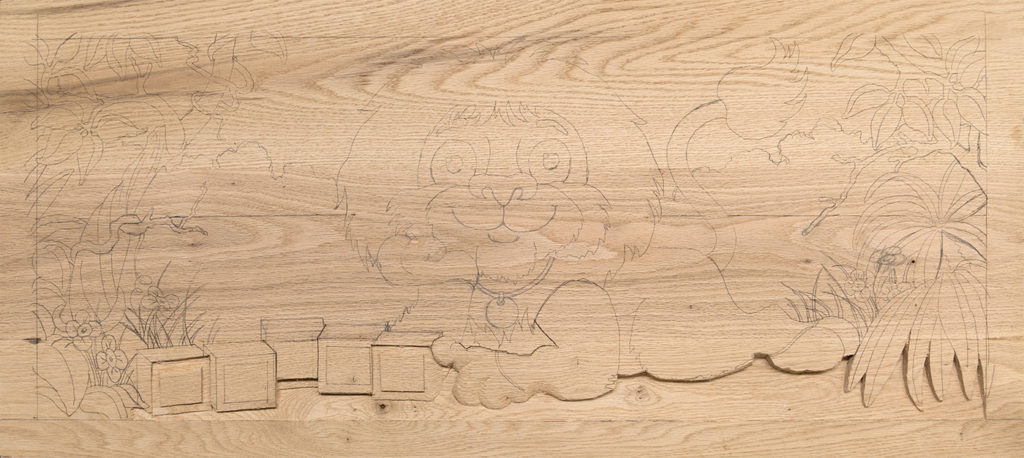 carved toy box Leo 01