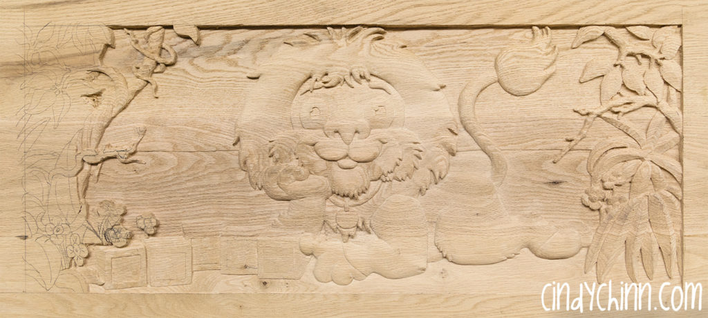 carved toy box Leo 08a