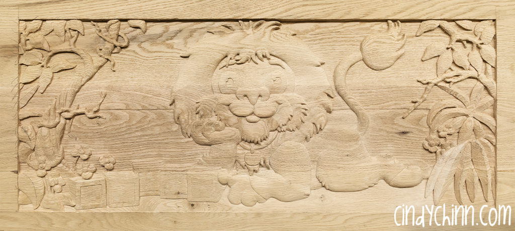 carved toy box Leo 10